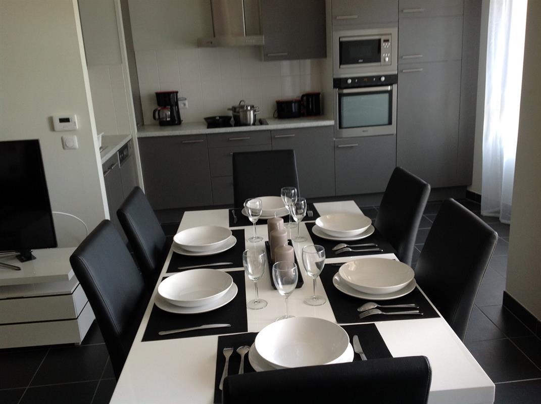 Appartement t2 bleu location appartement meubl for Appart hotel long sejour bordeaux