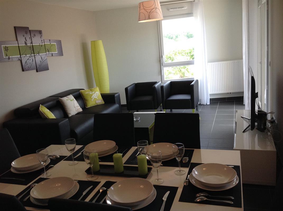 Location appart hotel bordeaux logement t3 vert for Appart hotel long sejour bordeaux